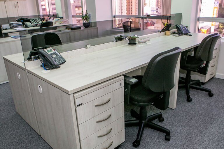 Mesa de Trabalho Profissional